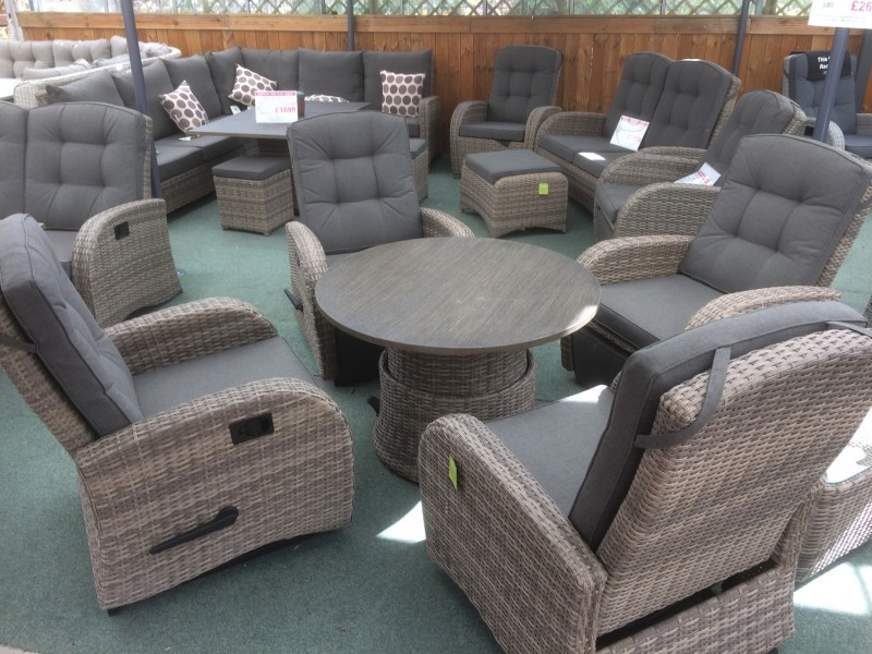 Rocking Reclining 4 Seater Round Table Set in Cappuccino Rattan