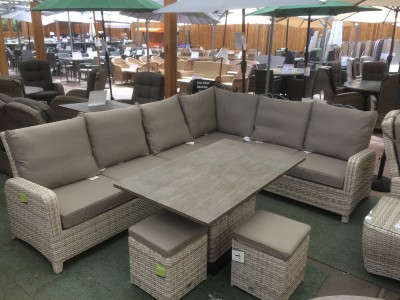 Lounge 1303 Corner Set in Latte Rattan