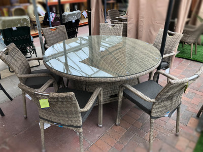 Stacking Round Rattan Dining Set in Cappuccino (6 Seater)