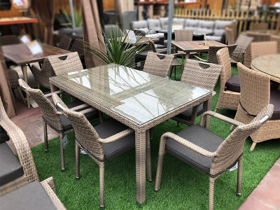 6 Seater Stacking Rattan Dining Set in Cappuccino